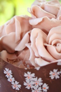 SylviasKitchen_WeddingCakes_Chocolate_RosyPosy-(2)