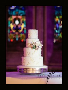 SylviasKitchen_WeddingCakes_Dasa_PeterPriorPhotography (1)